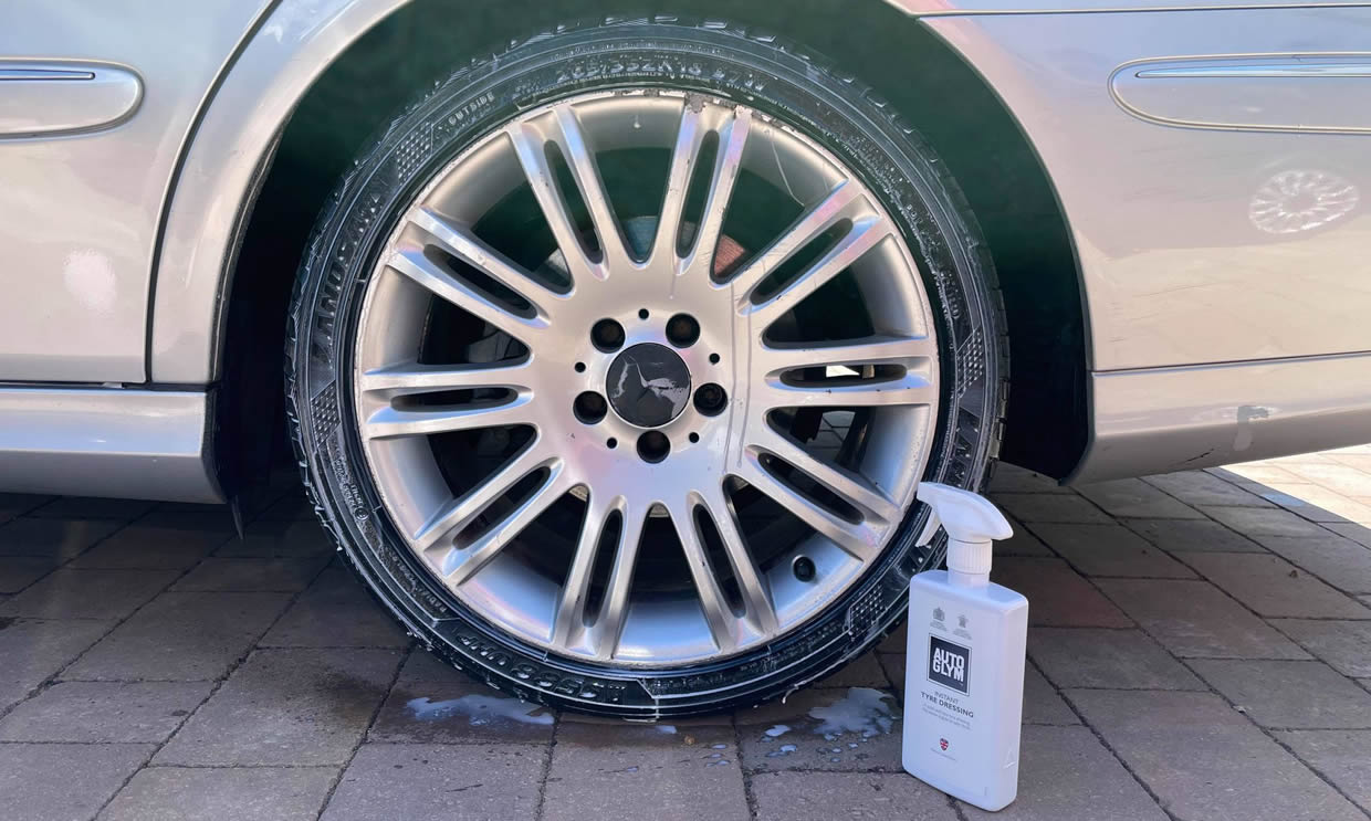 How To Apply Tyre Shine